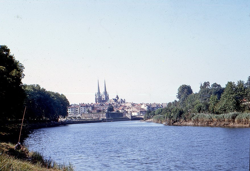 "The banks of the Nive as they were in 1964. (Shooting from the towpath, now bike trail, near the villa ""Lauga"")."