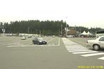 Bc rueckreise 014 swartz bay gebaeude auffahrende autos.png