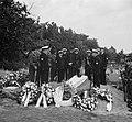 Begrafenis van Wagenaar Marine op de Oosterbegraafplaats Amsterdam, met mili, Bestanddeelnr 904-7142.jpg