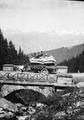 Beladener Militärlastwagen auf der Simplonstrasse - CH-BAR - 3236929.tif
