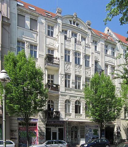 datei berlin kreuzberg zeughofstrasse 20 mietshaus und gewerbehof wikipedia. Black Bedroom Furniture Sets. Home Design Ideas