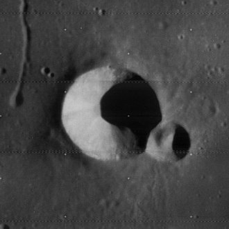 Birt (crater) - Image: Birt crater 4113 h 1