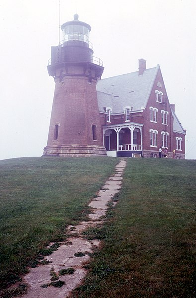 File:Block Island Southeast Light.jpg