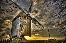 Bockwindmühle Lumpzig bei Sonnenaufgang.jpg
