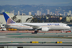 Boeing 787-8 Dreamliner 'N26906' United Airlines (14000490008).jpg