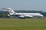 Bombardier BD700 Global Express 6000 'VT-AHI' (41061242075).jpg