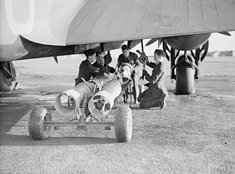 Armstrong Whitworth Whitley - Personnel loading 250lb bombs into a Whitley Mk V of No. 502 Squadron, 1940