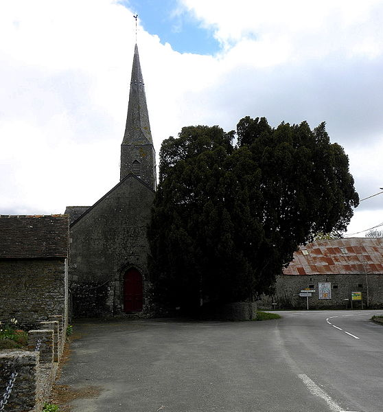 Église Sainte-Marie de Boulay-les-Ifs (53). Façade occidentale.