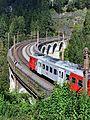 Breitenstein - Semmeringbahn - Kalte-Rinne-Viadukt mit Regionalzug - 2.jpg