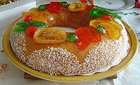 Brioche des Rois con frutas confitadas.