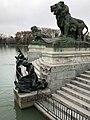 Bronzefiguren im Retiro-Park 2018 Madrid.jpeg