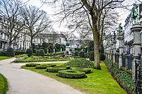 Bruxelles-SquarePetitSablon.jpg