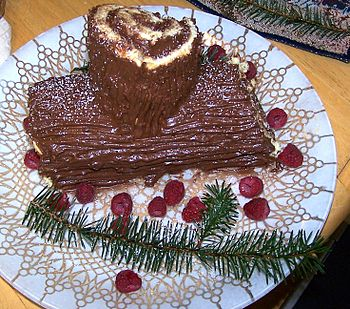 English: Photograph of a Bûche de Noël, by And...