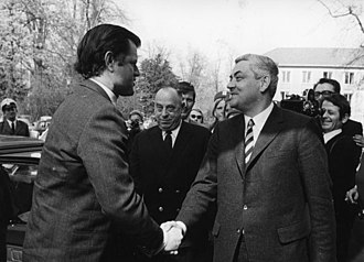 Horst Ehmke - Chief of Staff Horst Ehmke greeting Senator Ted Kennedy in Bonn, April 1971