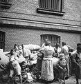 Bundesarchiv Bild 146-1986-044-11, Berlin, Sinti und Roma.jpg