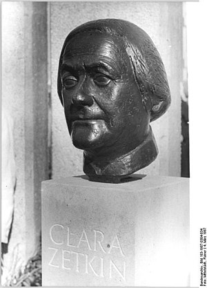 Walter Arnold (sculptor) - Clara Zetkin (1857-1933) memorial bust