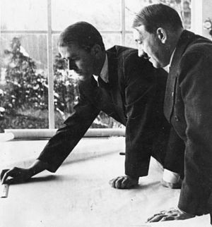 Albert Speer - Albert Speer shows a project to Hitler at Obersalzberg