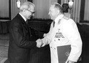 Bundesarchiv Bild Y 10-0097-91, 30 Jahre MfS, Erich Honecker, Erich Mielke