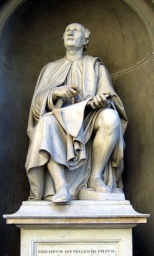 Filippo Brunelleschi - Sculpture of Brunelleschi looking at his cathedral dome