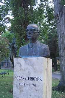 Bust of Frigyes Pogány at BUTE.jpg