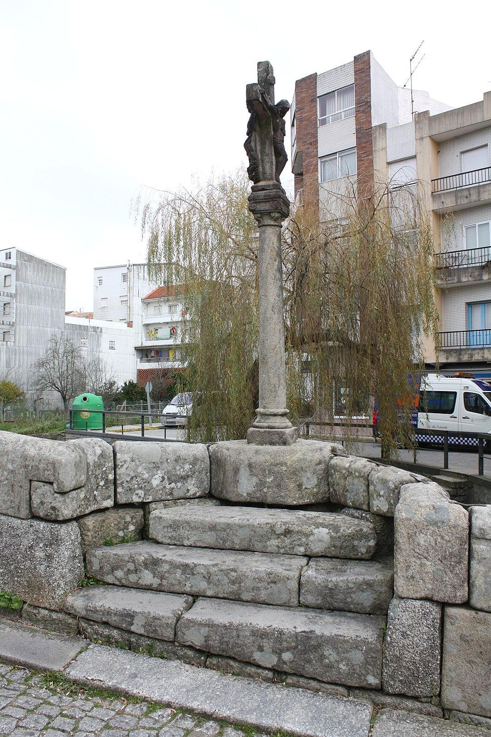 Caldas, cruceiro ponte romana 01-01b