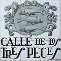 Calle de los Tres Peces (Madrid) 01.jpg