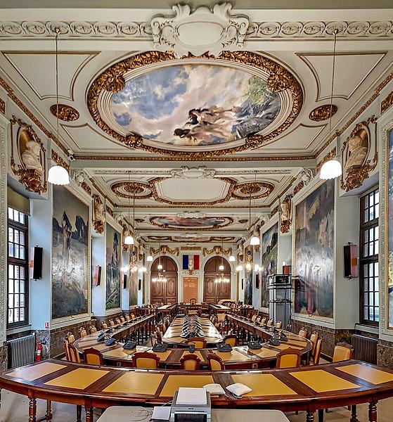 File:Capitole Toulouse - Salle du Conseil municipal.jpg