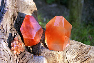 Carnelian Yellow-red chalcedony variety