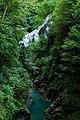 Cascata nel verde.jpg