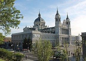 Resultado de imagen de catedral de la almudena