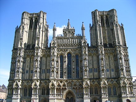 The west front of Wells Cathedral Cathedrale de wells front ouest.JPG