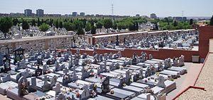 Cementerio de la Almudena - Graves in the cemetery.