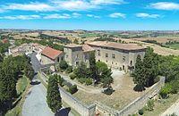 Château de Mézerville et le village.JPG