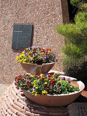 Chapel of the Holy Cross (Sedona, Arizona) - Image: Chapeloftheholycross 1400