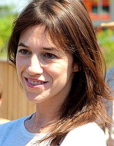 http://upload.wikimedia.org/wikipedia/commons/thumb/9/90/Charlotte_Gainsbourg_%282010%29_2.jpg/230px-Charlotte_Gainsbourg_%282010%29_2.jpg