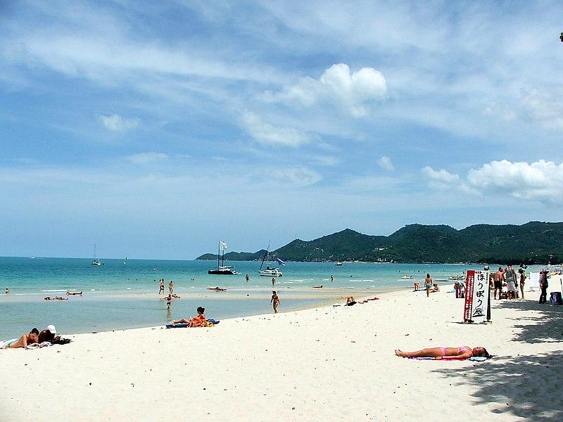 File:Chaweng beach - Pláž Chaweng - panoramio.jpg