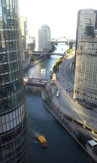"West Side, Chicago - The Chicago River set the historical boundaries of the ""sides"" of the city."