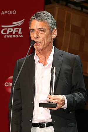 Chico Buarque - Chico Buarque receiving the best book award at the 5th BRAVO! Prime de Cultura in 2009.