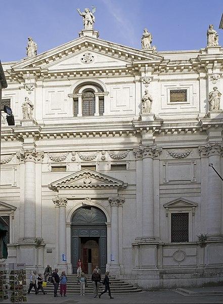 Archivo: Chiesa di San Salvador.jpg