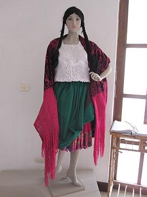 Cholo - Typical dress of a chola cuencana