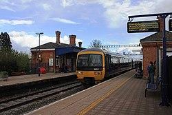 Cholsey - fGWR 166211 Oxford service.JPG