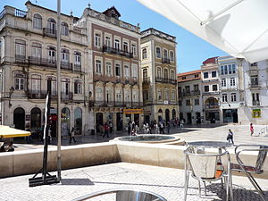 Santa Cruz (Coimbra) - The Praça 8 de Maio, with tourist-friendly cafés, shops and historical monuments