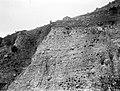 Collectie Nationaal Museum van Wereldculturen TM-10021412 Sab. Steile wal bij Marypoint Saba -Nederlandse Antillen fotograaf niet bekend.jpg