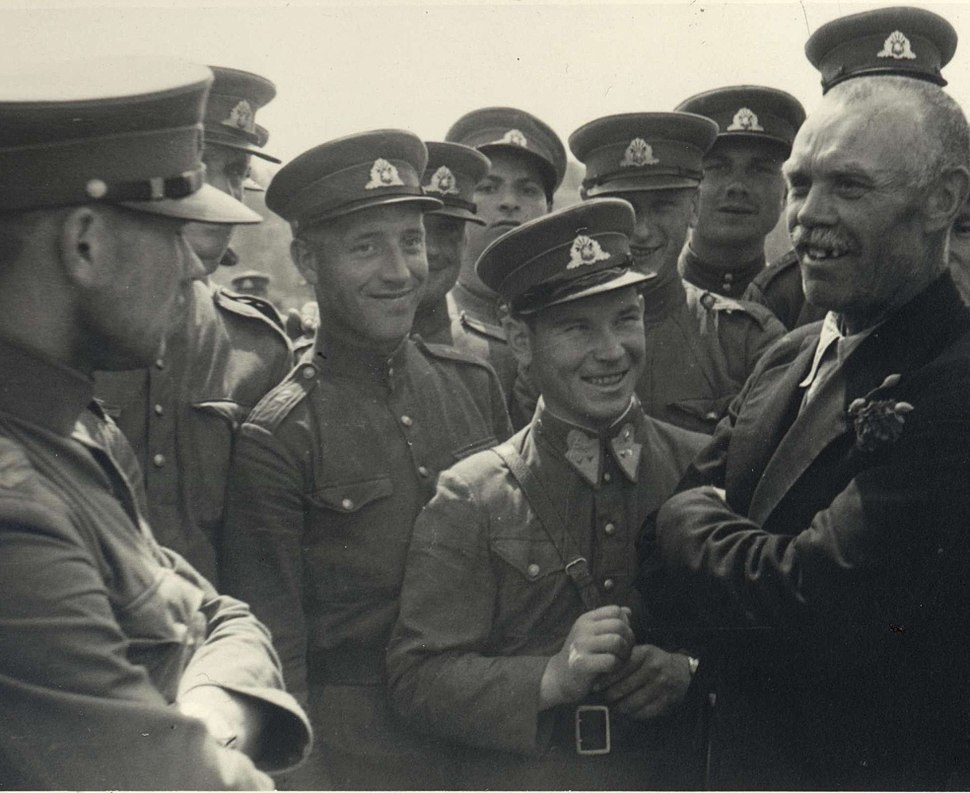 Communists with the Lithuanian Army soldiers