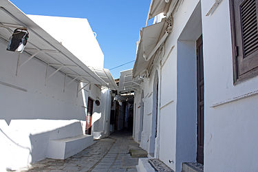 Covered alley in Lindos, Rhodes 3.jpg