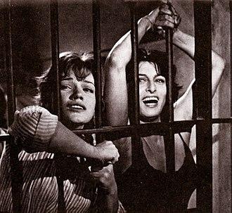 Cristina Gaioni - Gaioni (on left) with Anna Magnani in Nella città l'inferno (1959)