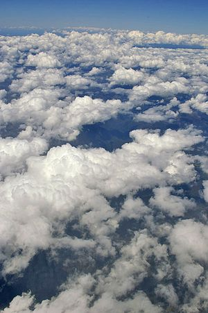 Looking over Cumulus mediocris clouds over sou...