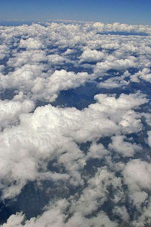 Looking over Cumulus mediocris clouds over sou...
