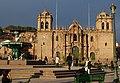 Cusco - katedrála - La Compaňia de Jesus, Plaza de Armas - panoramio.jpg