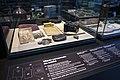 Détail d'une vitrine d'exposition sur des objets de la Grande Guerre.jpg